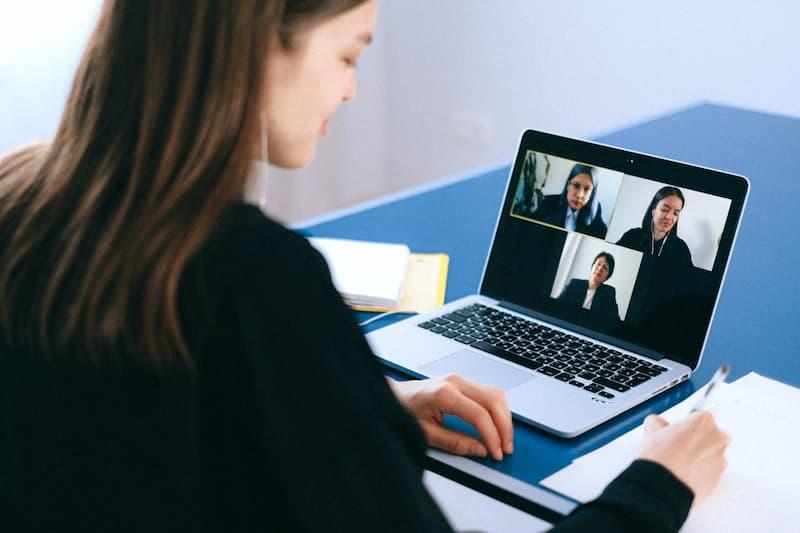 Skype Business: Ventajas y Descargas